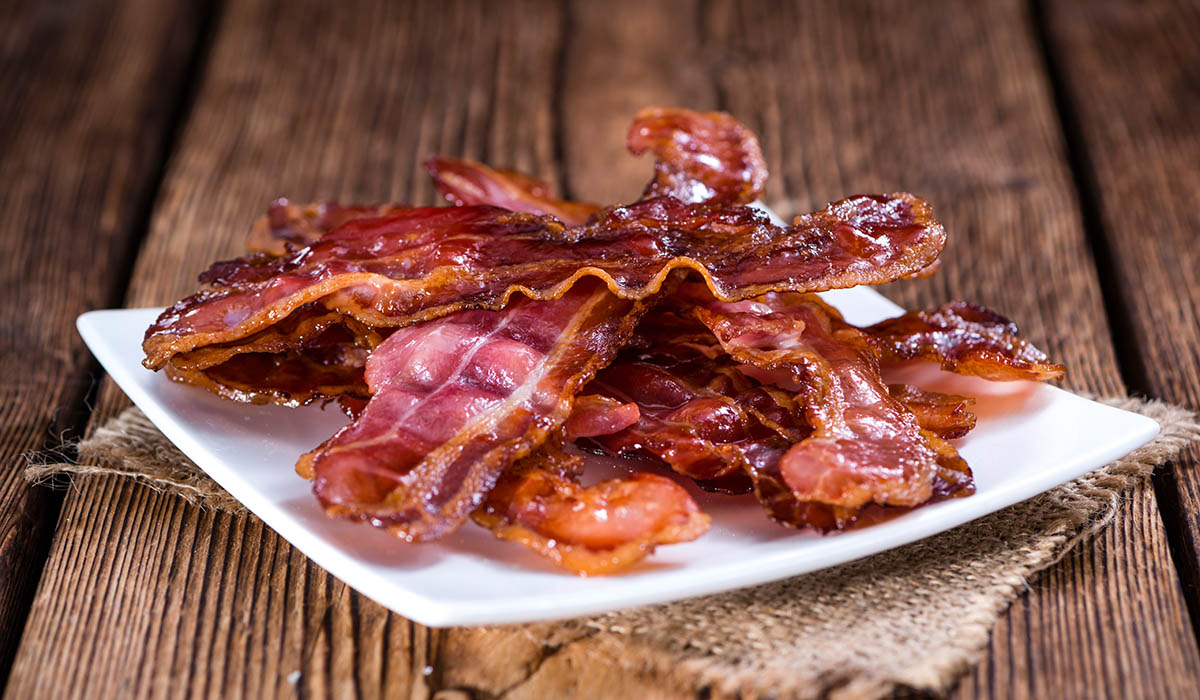 fried bacon, an indirect source of free radicals in foods